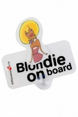 Знак автомобильный Блондинка в машине