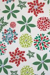 Бумага упаковочная новогодняя Ягоды и листья