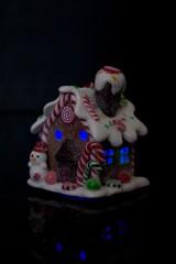 Украшение для интерьера светящееся Сладкий домик снеговика