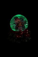 Шар со снегом светящийся Дед Мороз с подарком