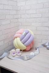 Декоративная подушка узел Fist