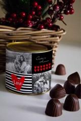 Банка шоколадных конфет с Вашим именем Живи, Смейся, Люби