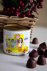 Банка шоколадных конфет с Вашим именем «Школьный автобус»