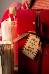 Деревянная бирка с персональной гравировкой Sweet love