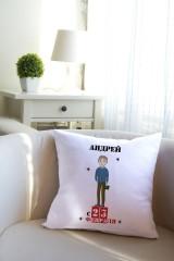 Подушка декоративная с Вашим именем Мой герой