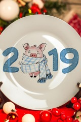 Тарелка декоративная 2019