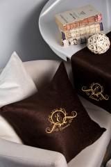 Наволочка декоративная с именной вышивкой Фамильный герб