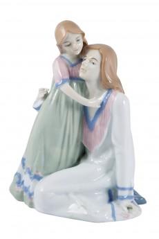 Статуэтка «Мама с дочкой»