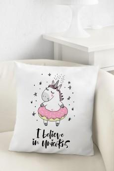 Подушка декоративная «I believe in unicorns»