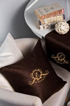 Наволочка декоративная с именной вышивкой «Фамильный герб»