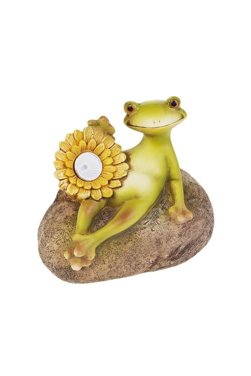 Фигурка садовая Лягушка с цветкомСадовые фигурки<br>16*11*15см, полирезин, с фонарем на солнечных батареях<br>