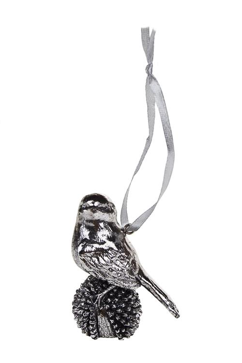 Украшение декоративное Птичка на шишкеПодарки<br>Выс=6см, полирезин, серебр., подвесное<br>