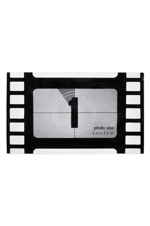Держатель-магнит с фоторамкой КадрПластиковые фоторамки<br>19*11см, фото 12*7см, пласт., черно-белый<br>