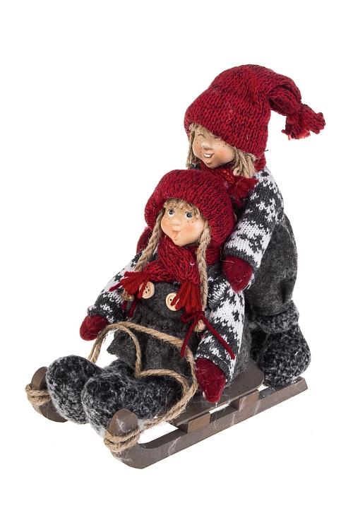 Набор кукол декоративных Малыши на санкахИгрушки и куклы<br>2-предм., 23*26см, полирезин, текстиль, МДФ, красно-серый<br>