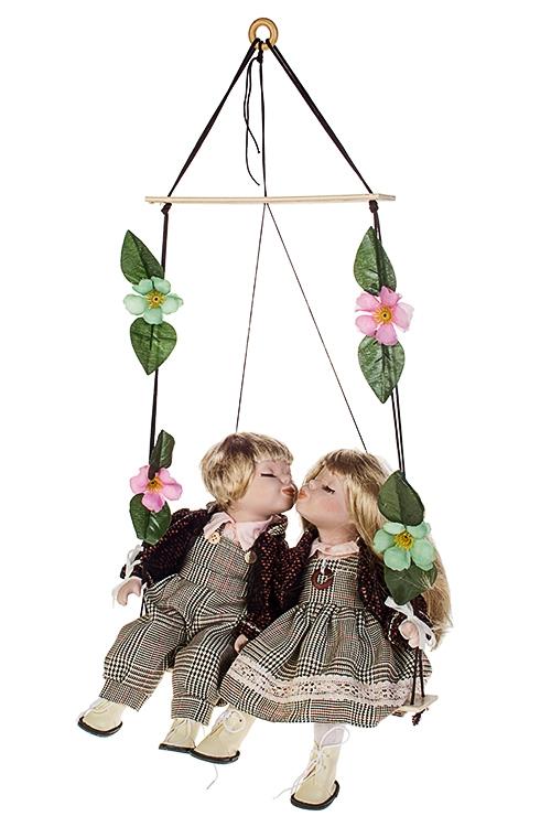 Набор кукол Влюбленные малыши на качеляхИгрушки и куклы<br>Выс=36см, фарфор, текстиль, беж.-коричн.<br>