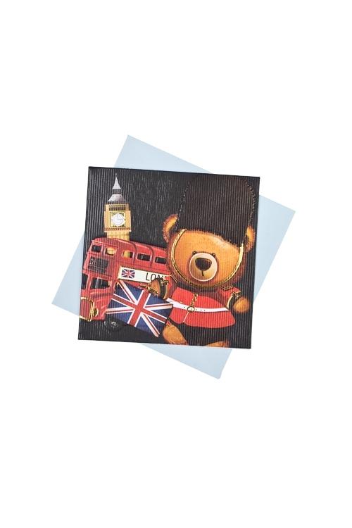 Открытка подарочная Мишка-путешественникСувениры и упаковка<br>7*7см, бум., с конвертом<br>