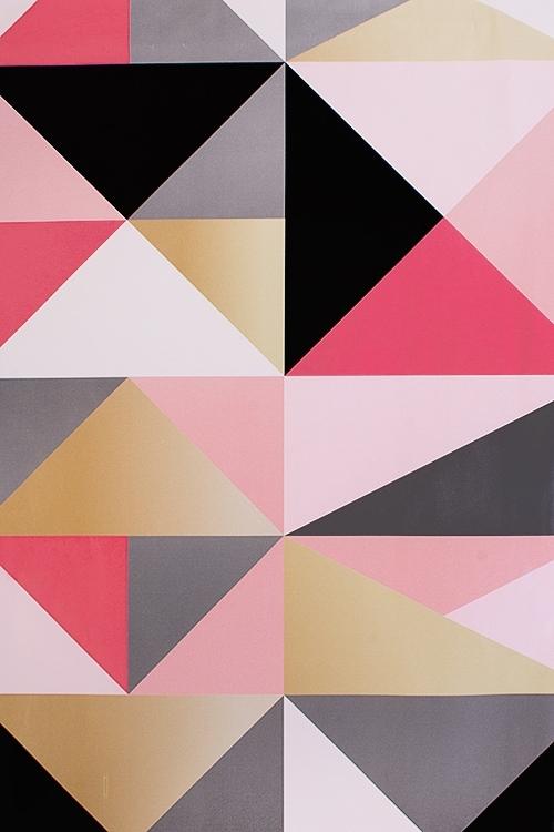 Бумага упаковочная ГеометрияУпаковочная бумага<br>70*100см, розово-черно-золот.<br>