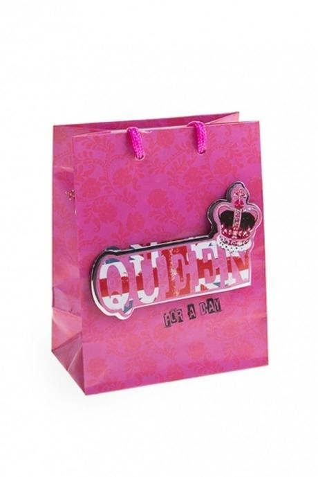 Пакет подарочный Королева на деньСувениры и упаковка<br>11.4*6.4*14.6см, бум., с декором<br>