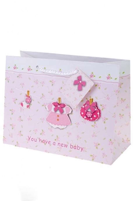 Пакет подарочный Новорожденная малышкаСувениры и упаковка<br>25*11.4*19см, бум., с декором<br>