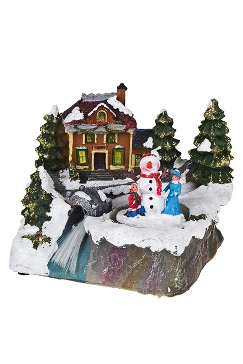 Украшение новогоднее светящ. и двигающееся Малыши у домикаФигурки<br>18*16*15см, полирезин, на батар.<br>
