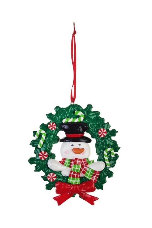 Украшение новогоднее Новогодний венокПодарки<br>Д=10см, керам., бело-зелено-красное, подвесное<br>