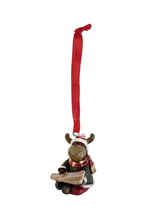 Украшение новогоднее Лосик с лыжамиДекоративные гирлянды и подвески<br>Выс=2.5см, полирезин, коричн.-красно-зеленое, подвесное (2 вида)<br>