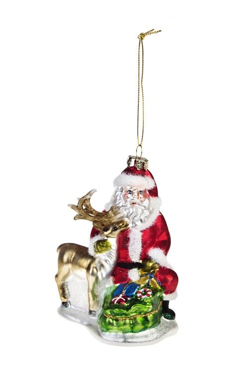 Украшение елочное Дед Мороз с оленем и с подаркамиПодарки<br>Выс=12см, стекло, полирезин, разноцв.<br>