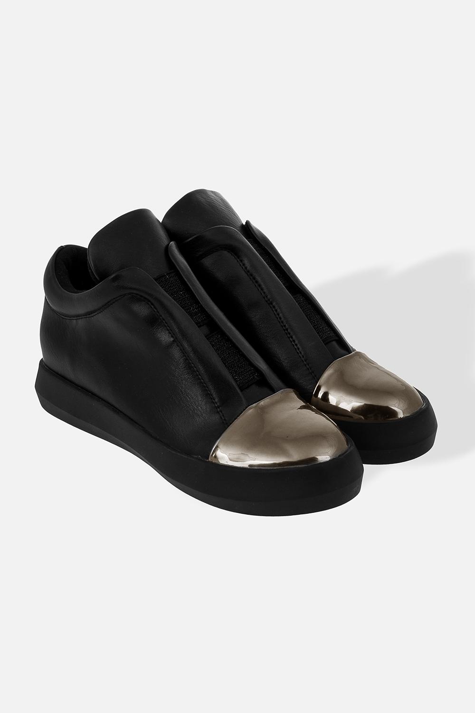 Ботинки женские ЛендиРаспродажа Black Friday<br>Материал верха: искусственная кожа. Подкладка: полиэстер. Материал подошвы: резина. С небольшой скрытой танкеткой. Длина стельки - 24,3 см<br>