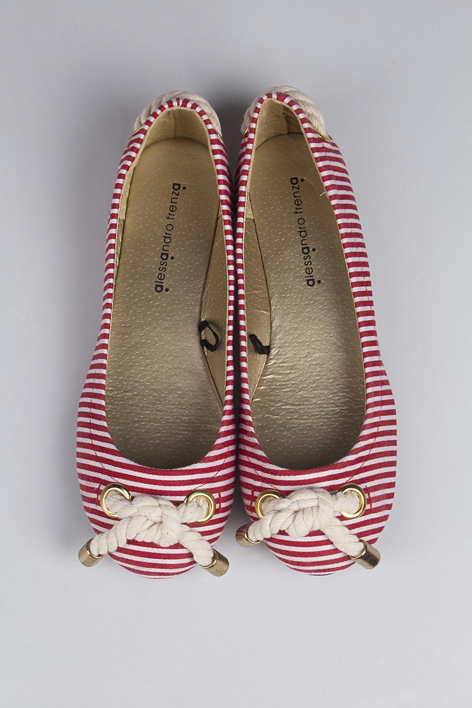 Балетки женские Си СтрайпОбувь<br>Материал верха: искусственная кожа. Материал стельки: искусственная кожа. Материал подошвы: резина. Обувь является маломерной на размер.<br>