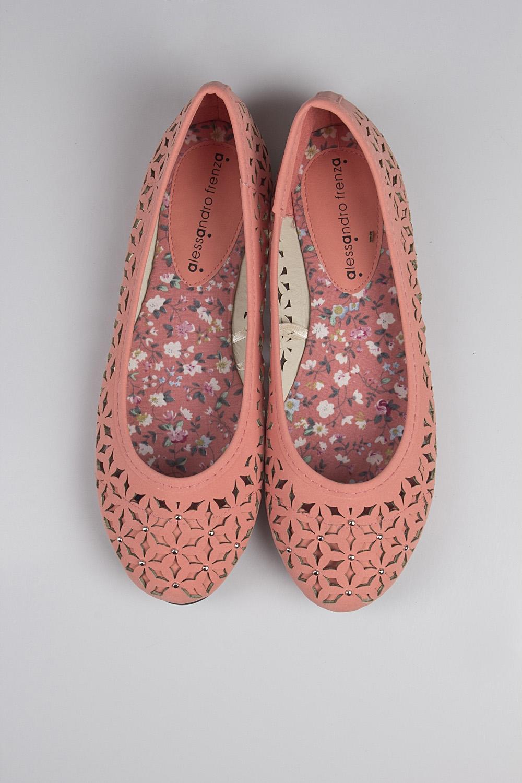 Балетки женские ТаяРаспродажа Black Friday<br>Материал верха: искусственная кожа. Материал стельки: искусственная кожа. Материал подошвы: резина. Обувь является маломерной на размер.<br>