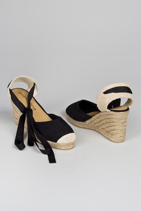 Босоножки женские ЛеслиОдежда, обувь, аксессуары<br>Материал: текстиль, джут. Подошва: резина.<br>