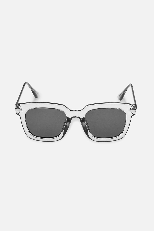 Очки солнцезащитные ЭйприлОдежда, обувь, аксессуары<br>Очки солнцезащитные. Высокая степень защиты от UV-излучения (UV400), степень затемнения 3. Материалы: пластик, металл. Защитный чехол и салфетка для линз в подарок<br>