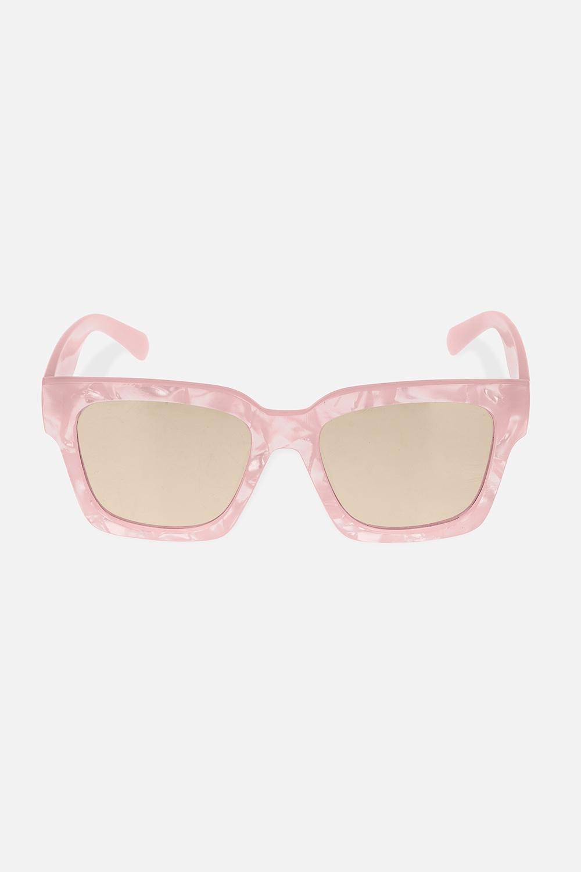 Очки солнцезащитные СанниОдежда, обувь, аксессуары<br>Очки солнцезащитные с зеркальным эффектом. Высокая степень защиты от UV-излучения (400). Материалы: пластик<br>