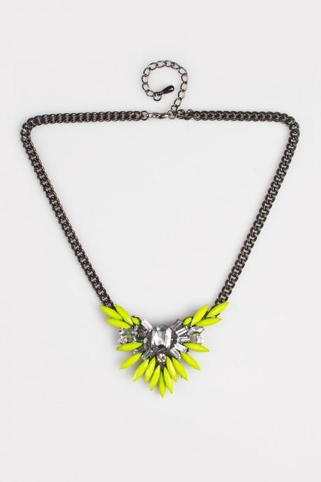 Ожерелье ФлауаРаспродажа Black Friday<br>Гиппоаллергенный бижутерный сплав металлов, не содержащий никеля. Металл, стекло, пластмасса<br>