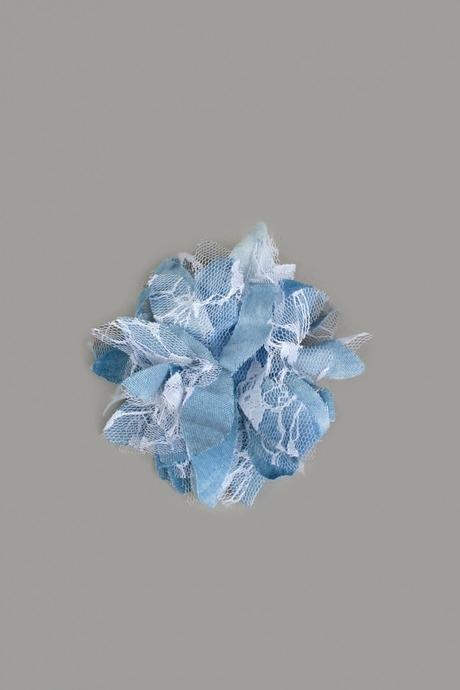 Заколка для волос Нежный цветокРаспродажа Black Friday<br>Материал: текстиль, пластик<br>