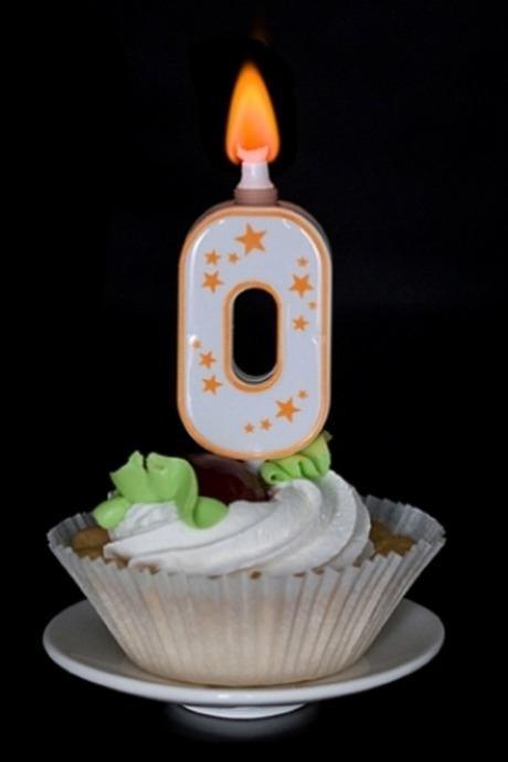 Фотография Свеча для торта (горит разноцветным огнем)