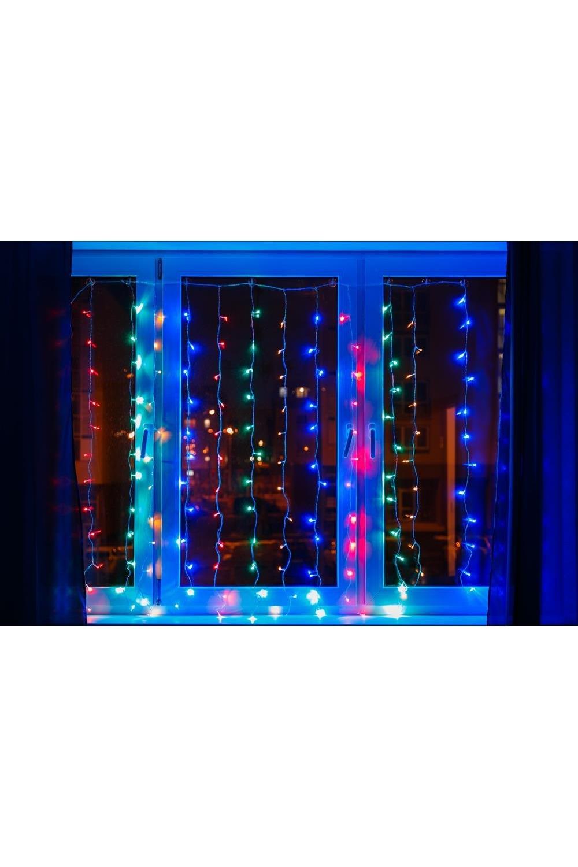 Гирлянда 2x2,5м, диоды Мультиколор Светодиодный ДождьПодарки на Новый год 2018<br>Гирлянда Светодиодный Дождь (Занавес) представляет собой гибкий горизонтальный шнур-шину (2м), к которому через определенные промежутки крепятся вертикальные нити (15 шт.) равной длины (2,5м) со светодиодами. Данная гирлянда имеет 300 светодиодов с цветом свечения Мультиколор.<br>