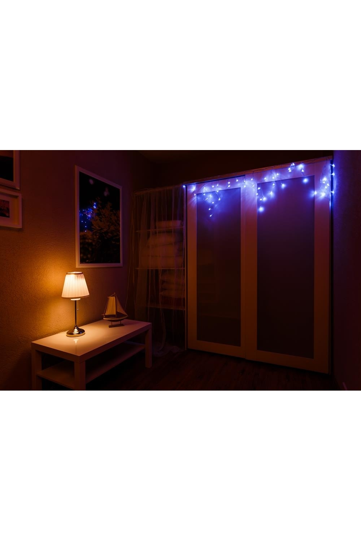 Гирлянда 4,8х0,6 м, 176LED, цвет Синий АйсиклПодарки на Новый год 2018<br>При длине 4,8 метра гибкая направляющая имеет 48 вертикальных нити от 20 до 60 см. <br>Данная гирлянда имеет Синий цвет свечения. Ее особенностью является наличие мерцающих светодиодов Белого цвета, которые привлекают внимание и значительно преображают украшенную поверхность (мерцает каждый пятый светодиод).<br>Гирлянда предназначена для использования как внутри помещения, так и снаружи.<br>