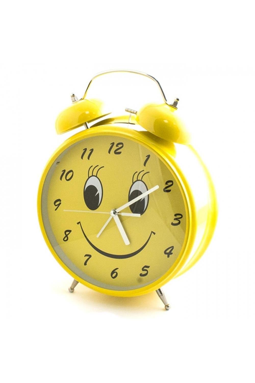 Часы Будильник ГИГАНТ Гигантский смайлИнтерьер<br>Гигантские часы с будильником станут самым заметным элементом вашего интерьера не только благодаря своим внушительным размерам, но и благодаря убедительному механическому звонку, услышав который, проспать время подъёма вы не сможете. Будильник работает от трёх пальчиковых батарей типа АА. Рекомендуем использовать только качественные аккумуляторы высокой мощности. Материал: металл, стекло, пластик Размеры упаковки: 31х24х9 см. Размеры: 8,5 х 24 х 30 см<br>