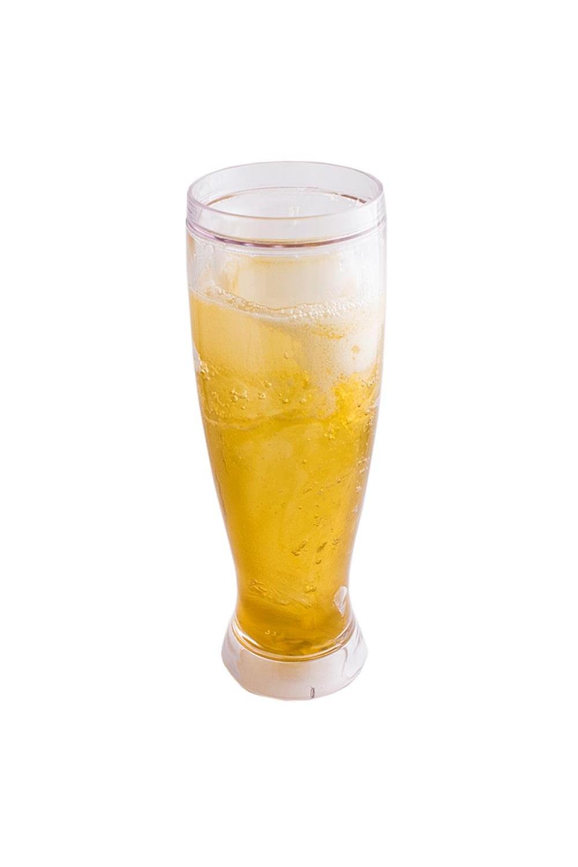 Пивной бокал 350 мл ЛедянойПосуда<br>Специальная охлаждающая ёмкость для пива или других напитков, которые принято употреблять холодными. Между двойными стенками посуды находится охлаждающий гель, напоминающий своим видом морозные разводы на стекле. Бокал необходимо охладить в морозилке в течение 2 - 4х часов, ставить в морозилку обязательно вертикально, дном вниз! После чего в неё можно налить напиток и он в течение порядка 1.5 часов остаётся прохладным. Жидкость в стенках кружки специально предназначена для охлаждения в морозилке в вертикальном положении. Не использовать в микроволновой печи! Не охлаждать ниже -10 градусов! Мыть только руками , не помещать в посудомоечную машину! Вобрав в себя зимний холод, бокал будет придавать напитку нужную температуру в течение долгого времени. Бокал не предназначена для горячих напитков и непищевых жидкостей. Также не рекомендуется охлаждать кружку более 4 часов и подвергать воздействию слишком низких температур (ниже -10 градусов Цельсия) во избежание появления трещин и утечки геля. Перед первым употреблением рекомендуем вымыть кружку бокал тёплой водой с моющим средством. Материал - пластик, Объём 450мл. Размеры: 9 х 9 х 24 см.<br>