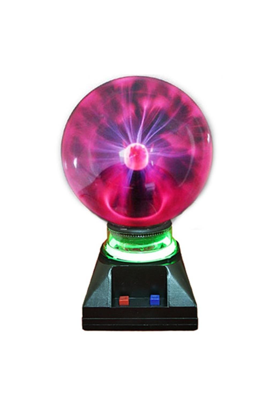 Светильник ПлазмаИнтерьер<br>Плазменный светильник в виде шара на подставке, при включении создаёт внутри стеклянной сферы множетсво цветных молний, разбегающихся во все стороны из центра. Если поднести к поверхности шара палец, молнии сольются в один мощный поток. На подставке имеется кнопка подзвучки. Светильник работает от сети 220V, требует осторожного обращения, использования строго в соответствии с инструкцией. Обращаем Ваше внимание, что воизбежание перегрева и для сохранения рабочих свойств светильника, рекомендуется его выключение после каждых двух-трёх часов непрерывной работы. Размер светильника: 24х14х11 см. Диаметр лампы 14 см. материал: стекло, пластик<br>