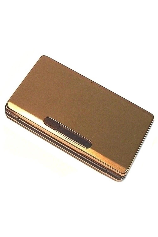 Портсигар-автомат №2Подарки<br>Оригинальный автоматический портсигар. Металл - алюминий, штамповка пластик. В портсигар закладываюся сигареты (6 шт). При нажатии на рычажок сигарета стильно выезжает из портсигара. Размеры изделия: 10х6х1.5 см.<br>