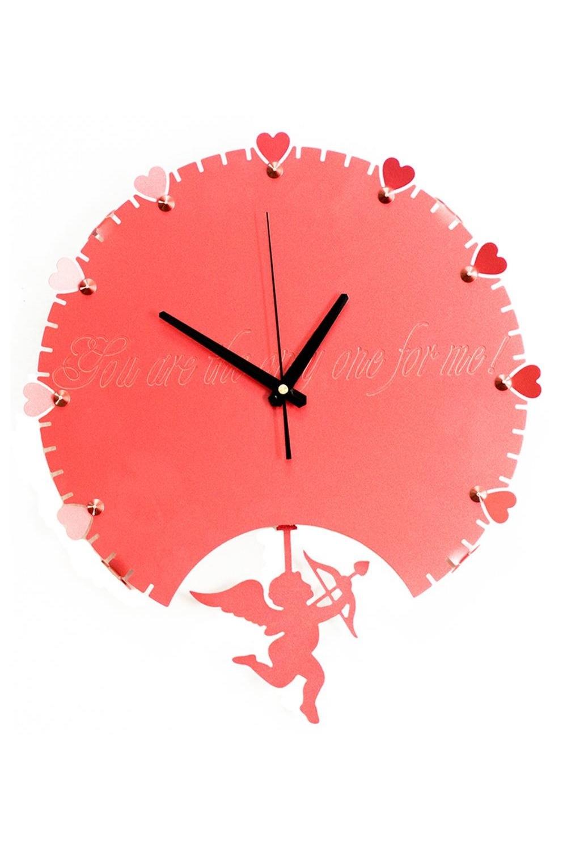 Часы настенные КупидонИнтерьер<br>Дизайн, полный хрупкого изящества, в этих часах удачно сочетается с высокой прочностью материалов. Несмотря на устойчивый к механическим воздействиям плотный стальной корпус, часы выглядят ажурными, словно вырезанными из бумаги. Движения элегантного маятника придают фигуркам иллюзию постоянного трепета. Материал: коррозионностойкая сталь, порошковое напыление. Размеры: 44 х 42 х 7 см<br>