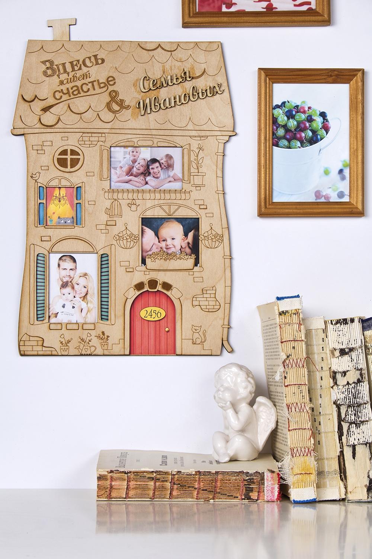 Коллаж с Вашим текстом и фото Здесь живет счастьеУкрашения на стену<br>Сувенир Коллаж , 30*45см, дерево, с Вашими фото и текстом<br>