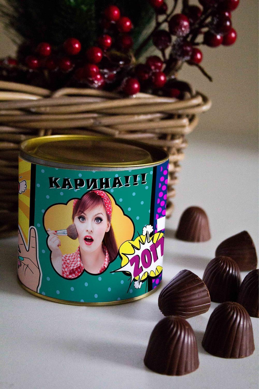 Банка шоколадных конфет с Вашим именем Поп-артСувениры и упаковка<br>Банка шоколадных конфет с Вашим именем, 130г (8 конфет ассорти). Размер банки: 9*10см.<br>