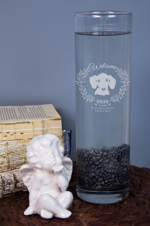 Ваза для цветов с Вашим текстом Год собакиИнтерьер<br>Приподнесите дорогому человеку букет в красивой вазе с персональной гравировкой. Материал: стекло. Высота 26,5см.<br>