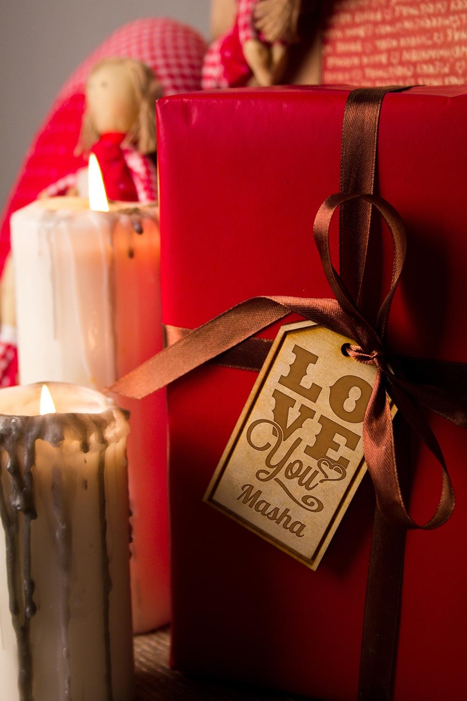 Деревянная бирка с персональной гравировкой Love youСувениры и упаковка<br>Стильная деревянная бирка с индивидуальной гравировкой подчеркнет уникальность Вашего подарка. Размер 9*5,1см. Материал: дерево.<br>