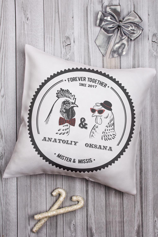 Подушка декоративная с Вашим именем Mr &amp; Mrs ПетухиИнтерьер<br>Подушка декоративная, 35*35см, габардин, с нанесением персонального текста<br>