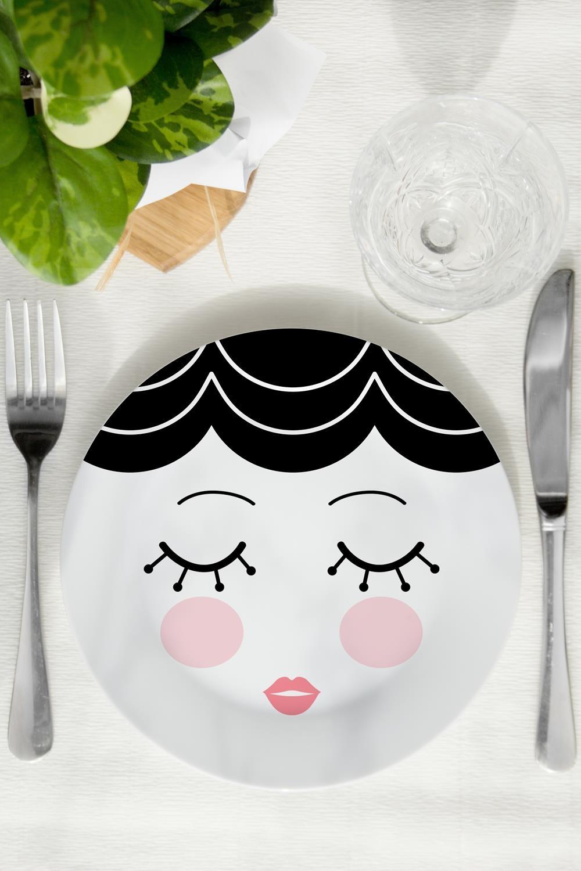 Тарелка МоллиПосуда<br>Такая декоративная тарелка станет эксклюзивным украшением для интерьера и незабываемым подарком. Диаметр 20см<br>