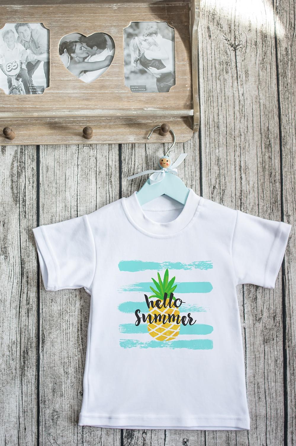 Футболка детская С надписью Hello SummerПодарки для малышей и новорожденных<br>100% хлопок, белая. Товар является маломерным<br>